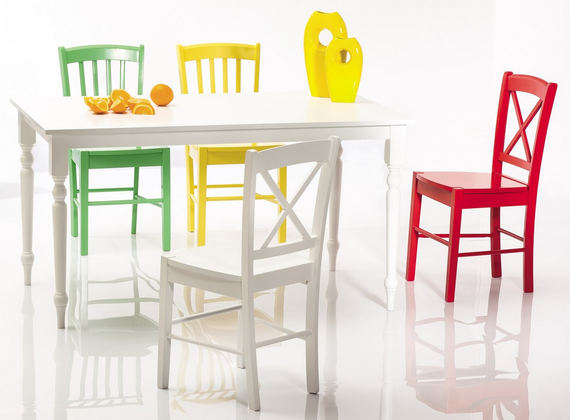 Jedálenská drevná stolička CD-56 červená